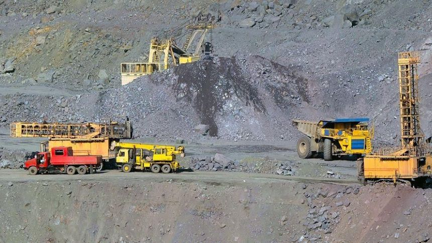 Proximity detection and collision avoidance system for the mining sector