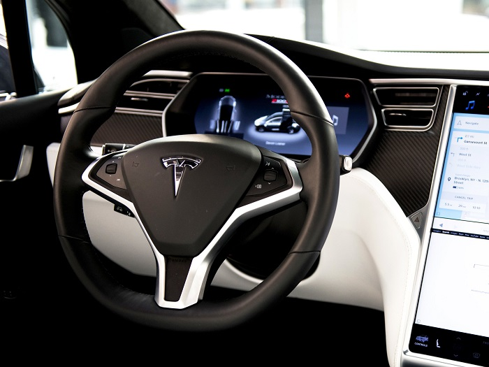 Tesla to buy cobalt from Glencore