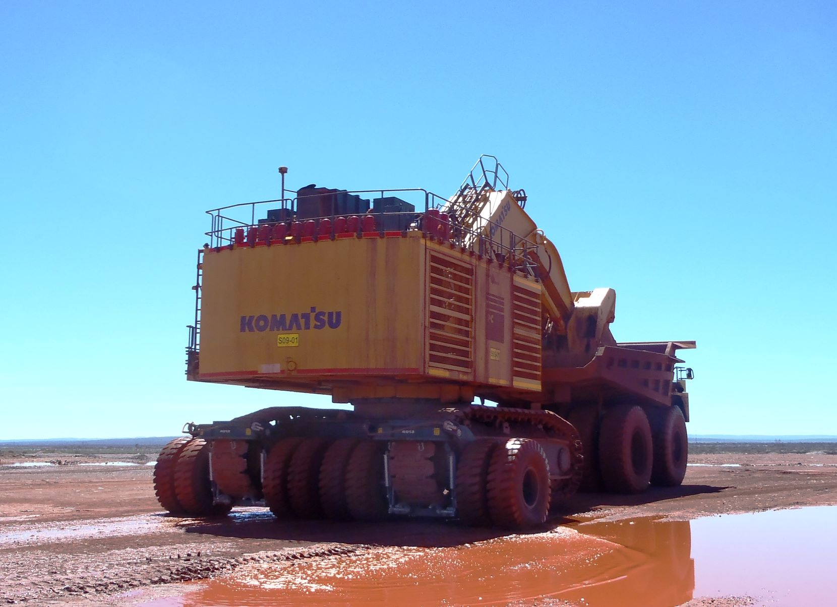 Solutions for moving tracked equipment in mining